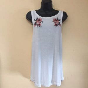 AERIE NWOT Soft & Sexy Embroidered Floral Tank